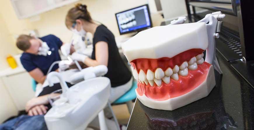 denti-forma-dopo-vacanze