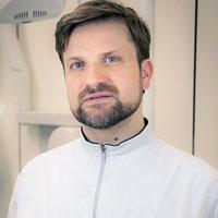 Dr-Domenico-Anzisi-Dentista-Napoli
