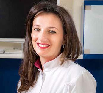 Dott.-Sara-Avecone-Odontoiatra napoli
